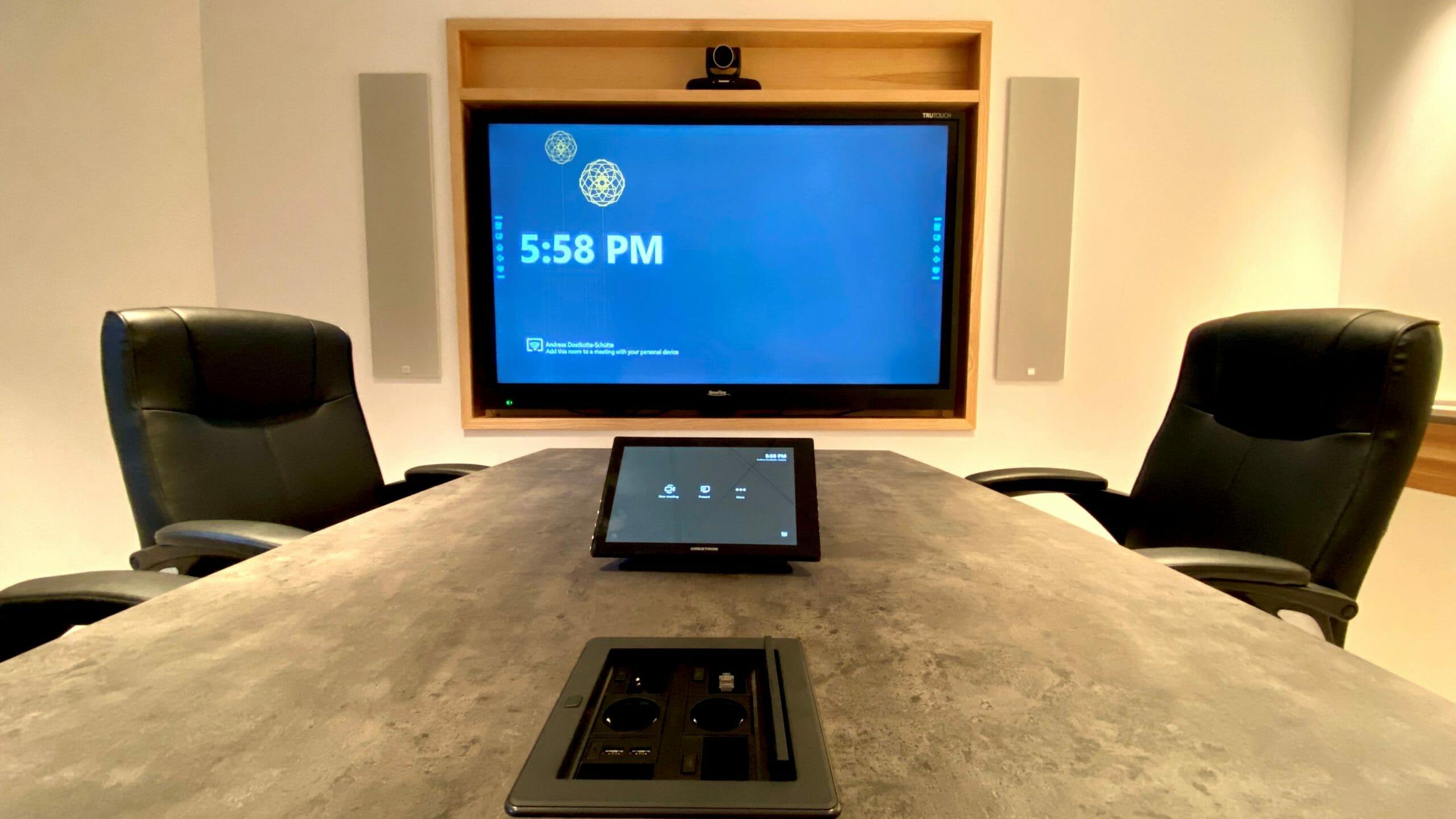Videokonferenzsystem Crestron C-160-T im Showroom
