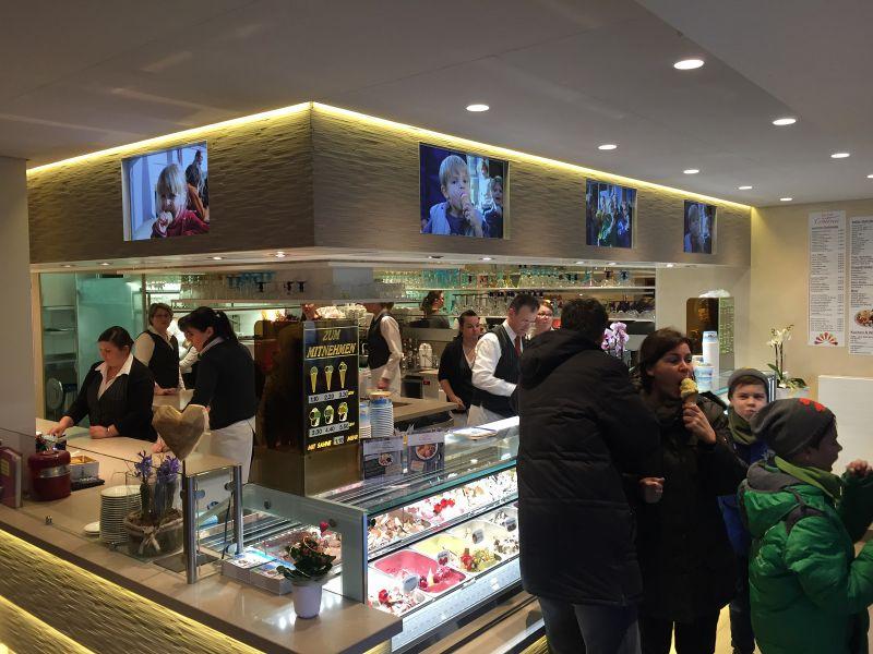 Eiscafe Cortina Brightsign