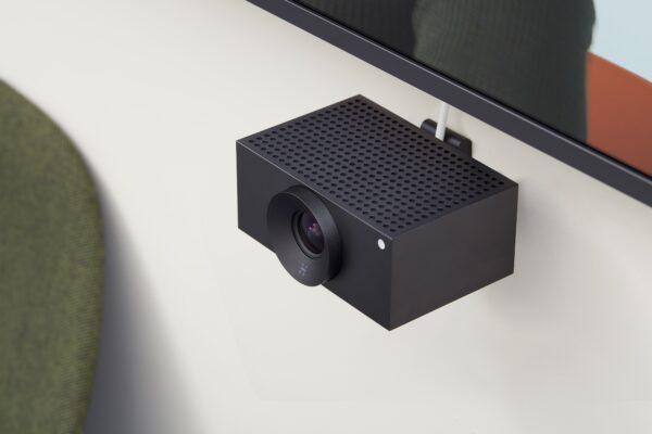 Huddly L1 Videokonferenzkamera unter Display